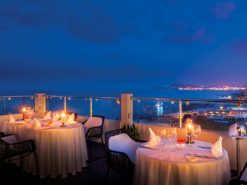 Noble Gourmet Restaurant  - Χρυσοί Σκούφοι