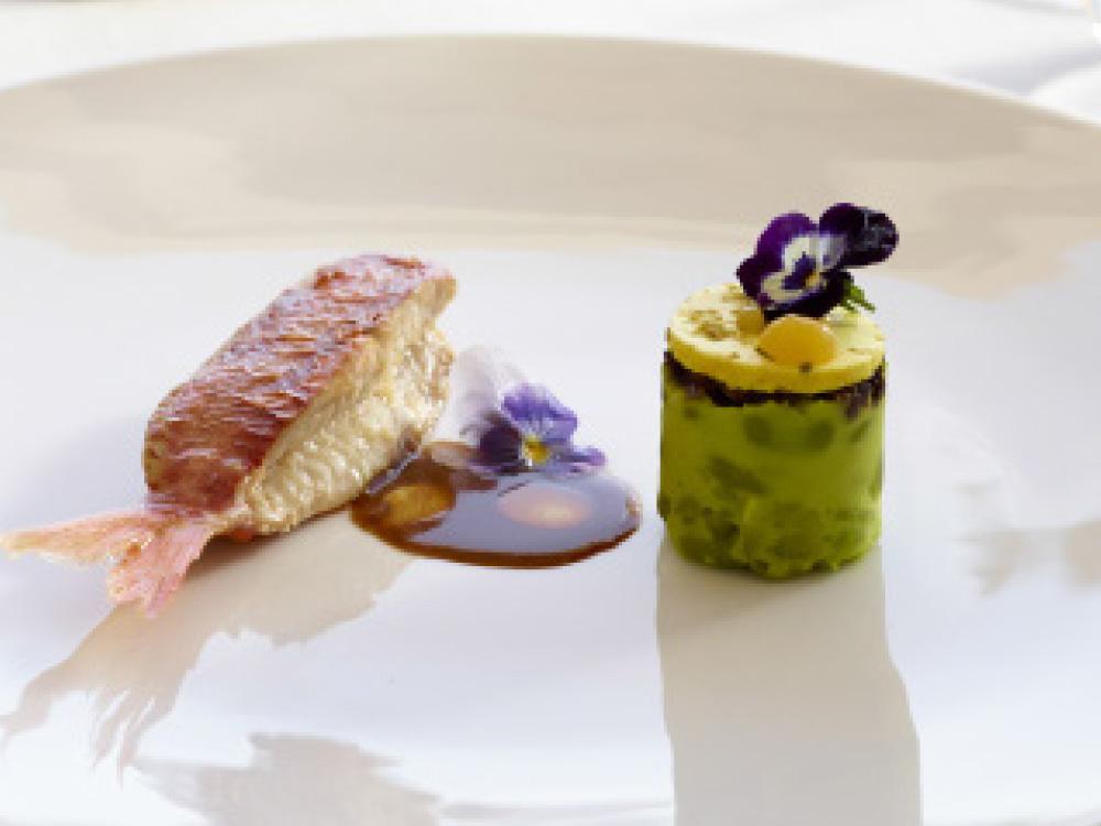 Bill & Coo Gastronomy Project - Χρυσοί Σκούφοι