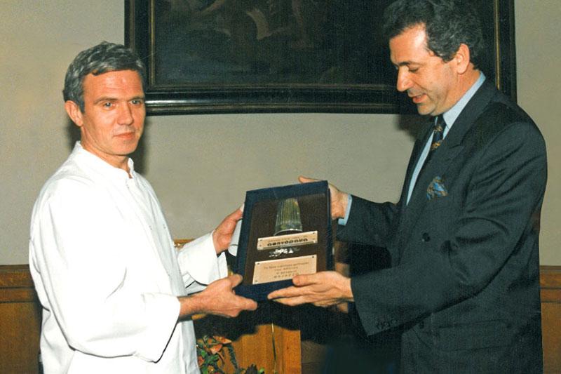 Χρυσοί Σκούφοι: η ιστορία του θεσμού των ελληνικών βραβείων γαστρονομίας - Χρυσοί Σκούφοι