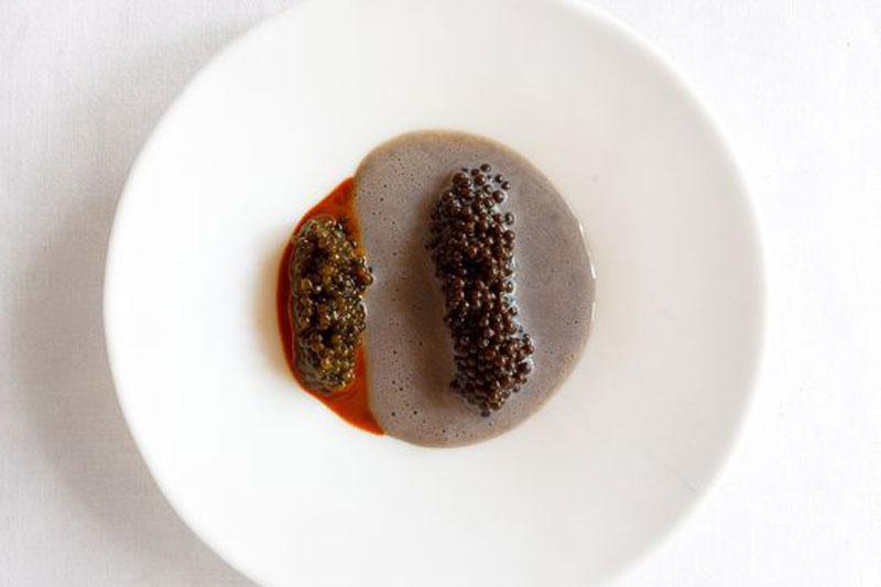 Φουντούκι και χαβιάρι, από τον Ferran Adria - Χρυσοί Σκούφοι