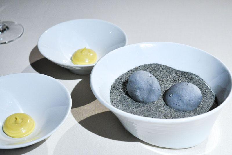 Οι πατάτες-βότσαλα του Andoni Luis Aduritz
