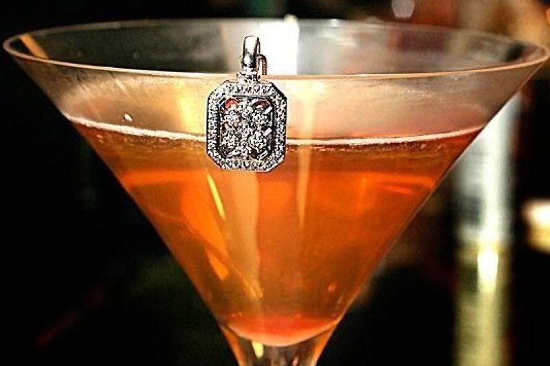 Diamond is Forever: το πιο ακριβό cocktail στο κόσμο  - Χρυσοί Σκούφοι