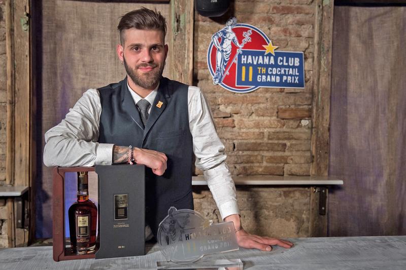 11ος Διαγωνισμός Havana Club Cocktail Grand Prix Ο Αλέξανδρος Τζωρτζάκης από την Κρήτη…στη Κούβα  - Χρυσοί Σκούφοι