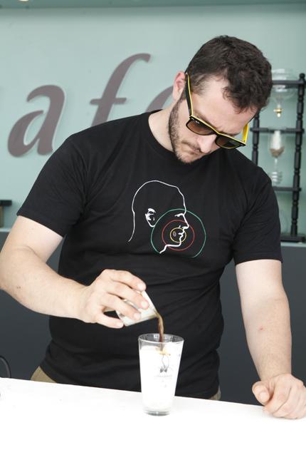 Οι head roasters της Coffeedence δημιούτγησαν ένα εκλεκτό blend ειδικά για το φεστιβάλ