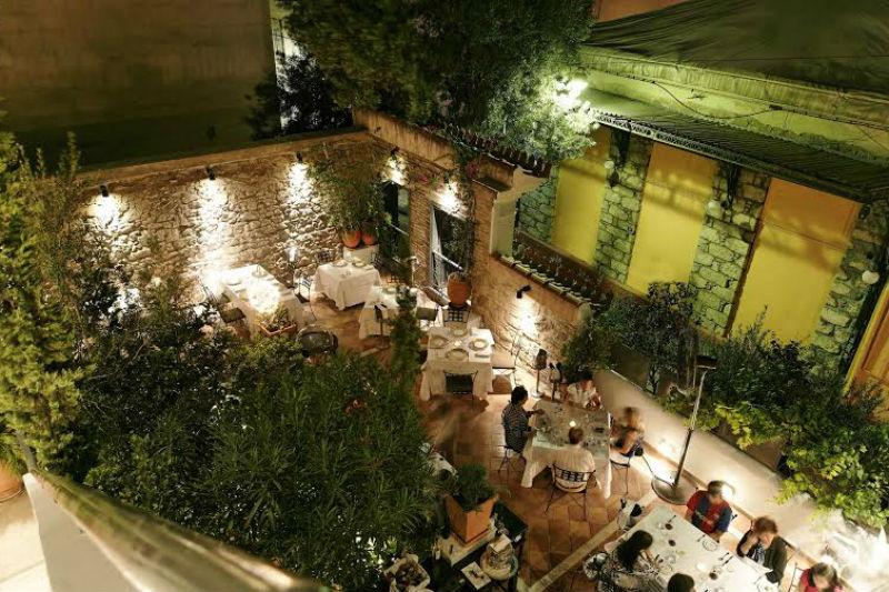 Γκουρμέ εστιατόριο με… feedback - Χρυσοί Σκούφοι