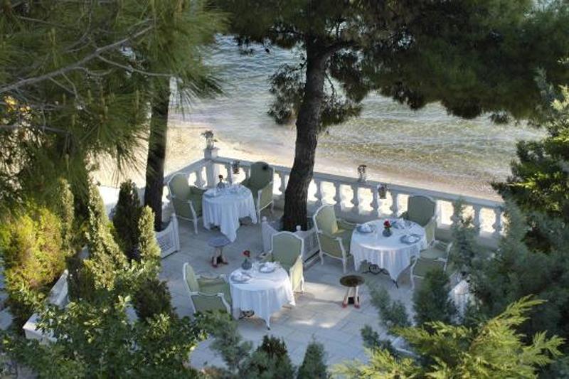 Δημιουργικός γαστρονομικός ρομαντισμός στο «Squirrel»  του «Danai Beach Resort» - Χρυσοί Σκούφοι