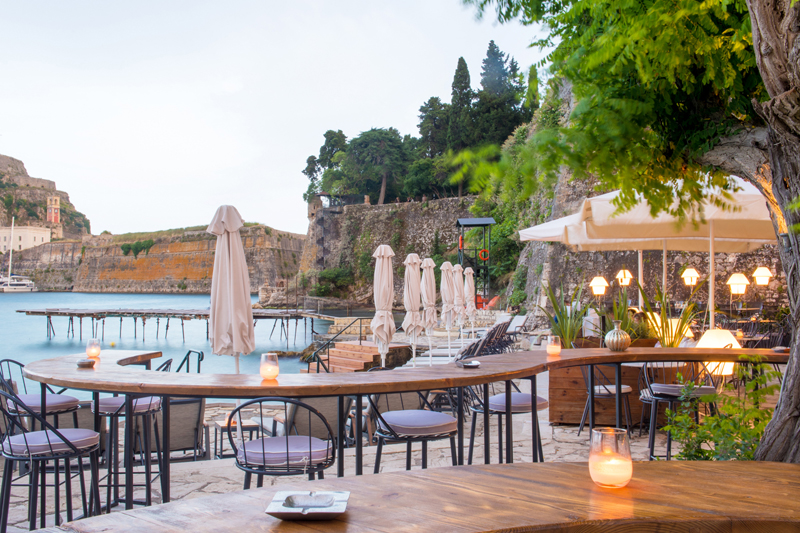 Imabari: Μέγκουλας  – Κερκύρας, κουζίνα – κοκτέιλ, Μεσόγειος στην Κέρκυρα. - Χρυσοί Σκούφοι