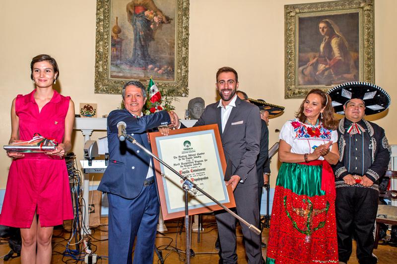 Στέλιος Παπαδόπουλος: ο μη Μεξικανός Τεκίλα expert - Χρυσοί Σκούφοι