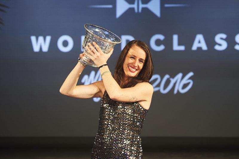 Γυναίκα για πρώτη φορά η  καλύτερη bartender στον κόσμο - Χρυσοί Σκούφοι
