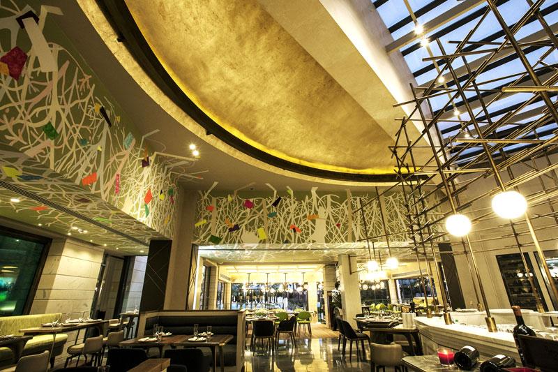 Το «Dome Real Cuisine» καλλιεργεί την υψηλή κρεοφαγία στη Θεσσαλονίκη.  - Χρυσοί Σκούφοι
