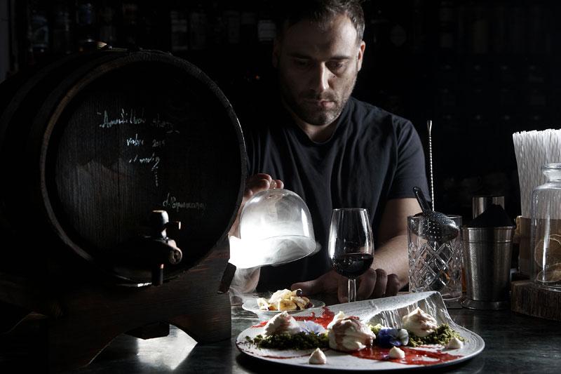 Homemade bar spirits για πολλά αστέρια… - Χρυσοί Σκούφοι