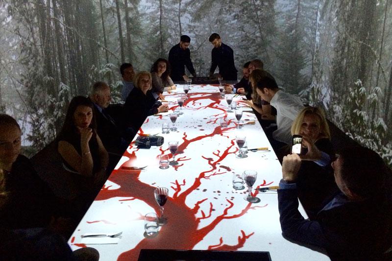 «All-senses Gastronomy»: πρωτοποριακή παράσταση συναισθησίας   - Χρυσοί Σκούφοι