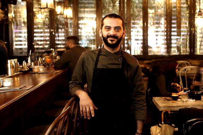 Η  αντισυμβατική και πολύ νόστιμη ελληνική κουζίνα  του «Feedέλ»  - Χρυσοί Σκούφοι