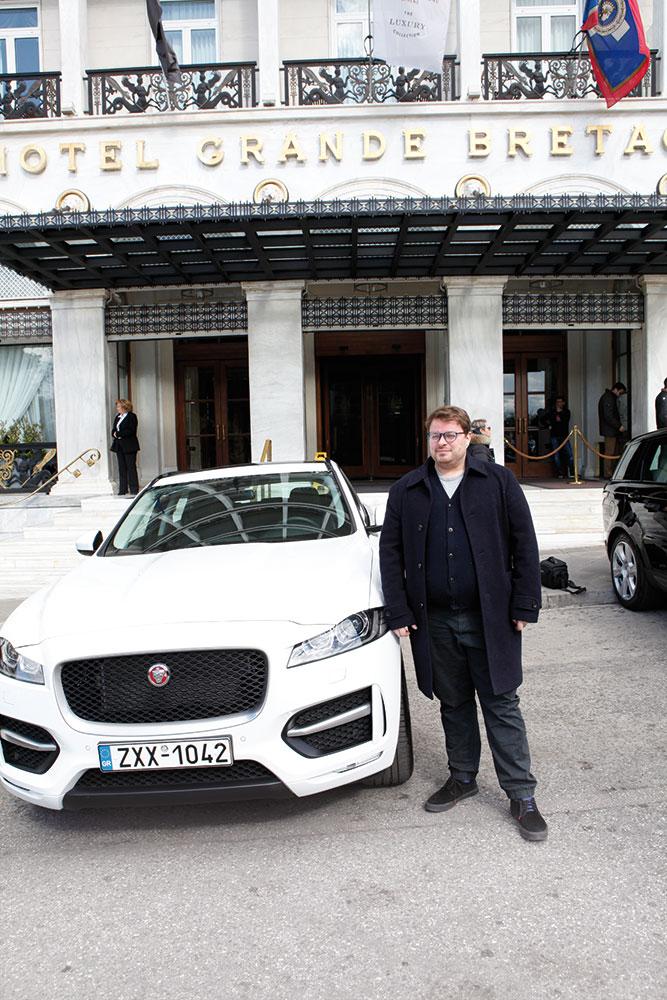 Η Jaguar - Land Rover φρόντισε για τις ασφαλείς και με απαράμιλλο βρετανικό στιλ μετακινήσεις του guest chef της φετινής απονομής Isaac McHale