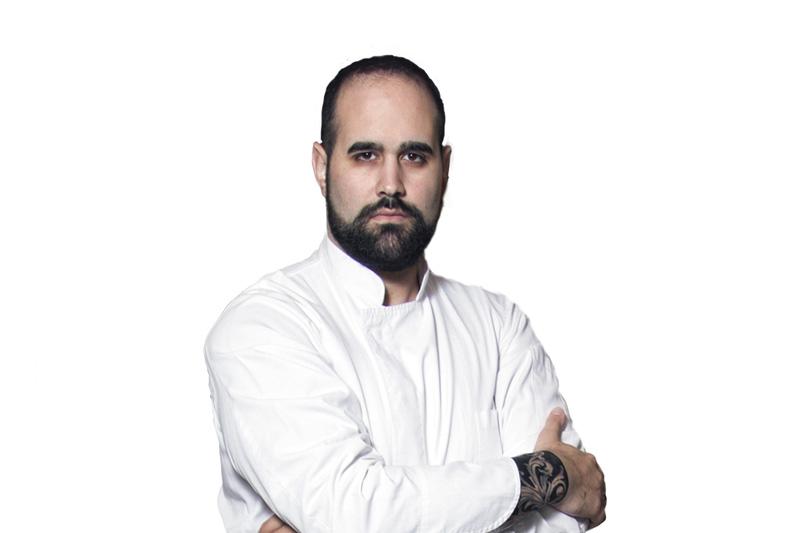 Ο ταλαντούχος Άγγελος Μπακόπουλος κάνει pop–up στον «Ανθό»» - Χρυσοί Σκούφοι