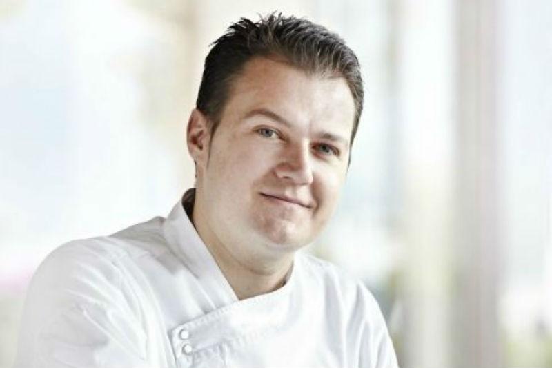 Ο Αστέριος Κουστούδης νέος executive chef της «Μεγάλης Βρεταννίας» - Χρυσοί Σκούφοι