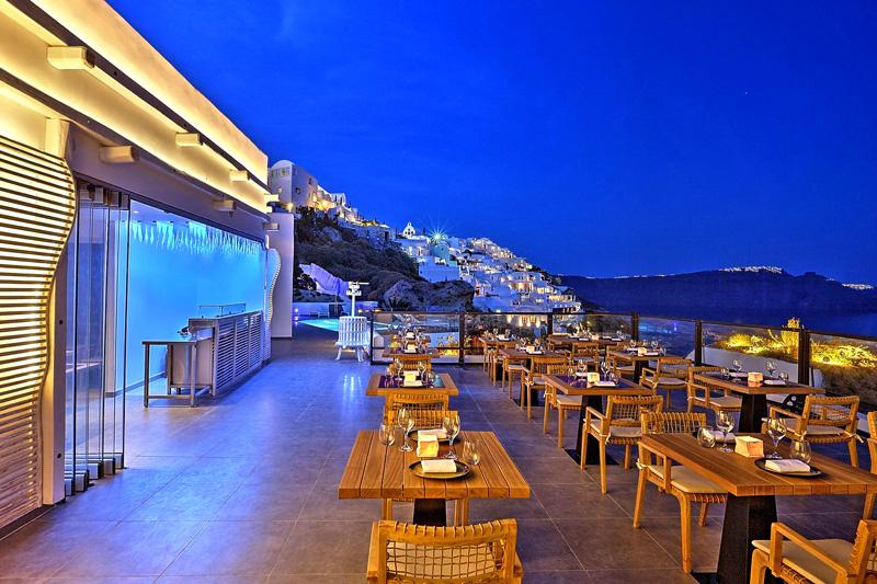 Στο Black Rock ροκάρουν ελληνικές γεύσεις - Χρυσοί Σκούφοι