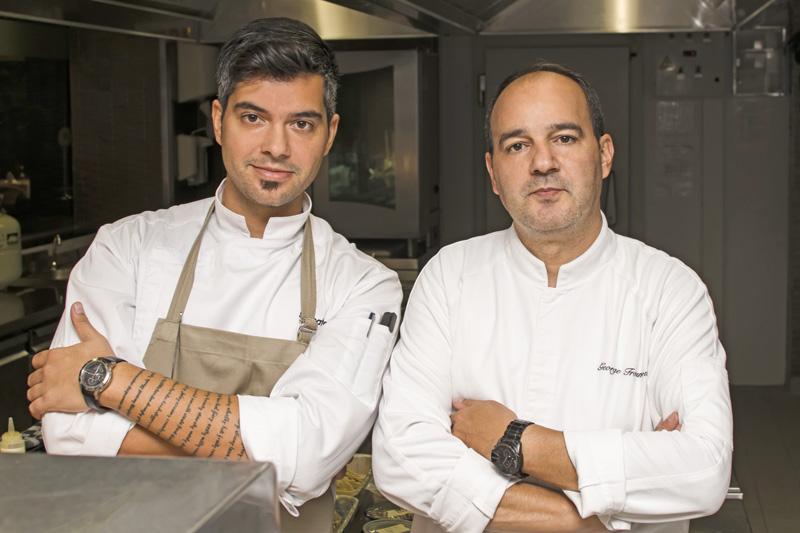 Ο σεφ Σταμάτης Μισομικές και ο executive chef του Noble  Γιώργος Τρουμούχης
