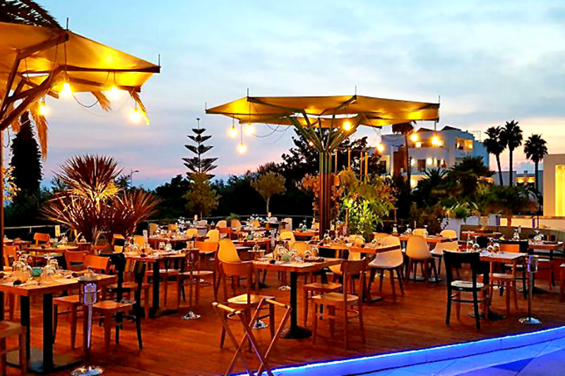 Ένα εστιατόριο προορισμός στην Καλαμάτα φρεσκάρει την παράδοση  - Χρυσοί Σκούφοι