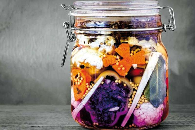 Στις κουζίνες όλου του κόσμου πειραματίζονται με τις ζυμώσεις «εμφιαλώνοντας» καινοτόμες δημιουργίες