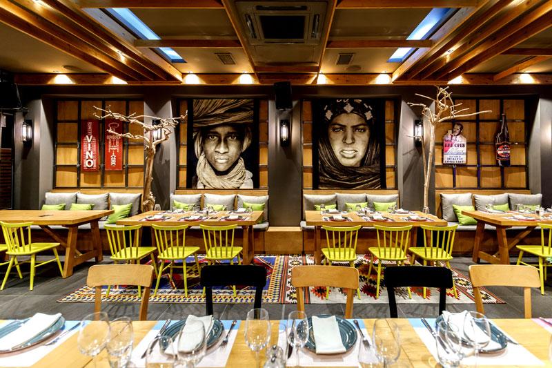 «Yiamas Gastro Bar» - Χρυσοί Σκούφοι
