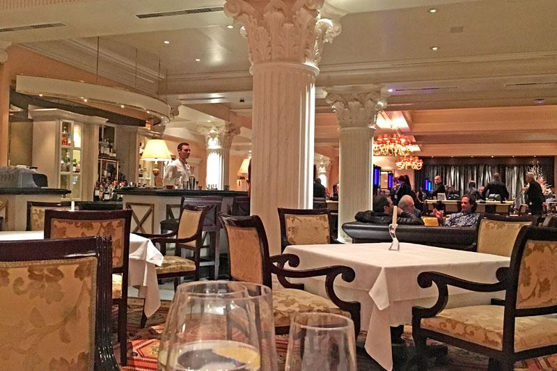 Στο Alfredo's το fine dining κερδίζει τις εντυπώσεις - Χρυσοί Σκούφοι
