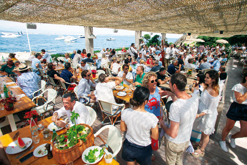 «La Guerite» σημαίνει ανεβασμένο  πάρτι με πολλή μουσική και χορό.