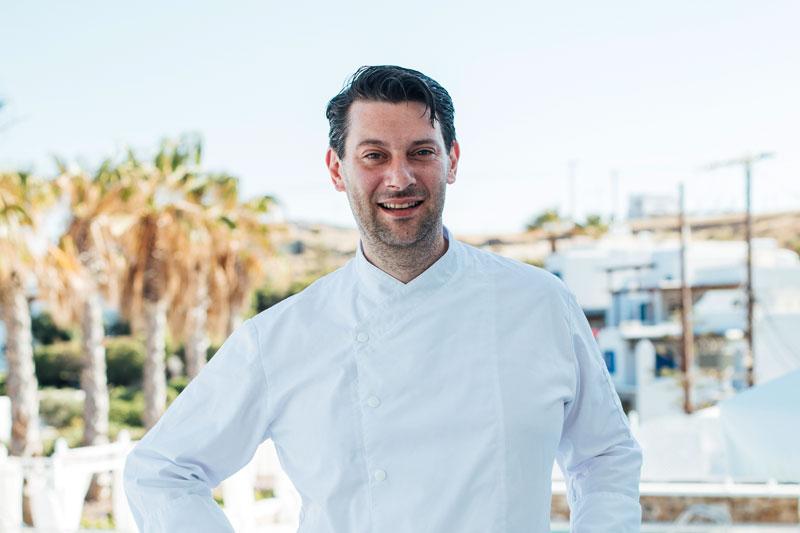 Ο Olivier Campanha εμπνέεται από τον ήλιο και τη θάλασσα και κλέβει τις εντυπώσεις στο «La Veranda» της Μυκόνου - Χρυσοί Σκούφοι