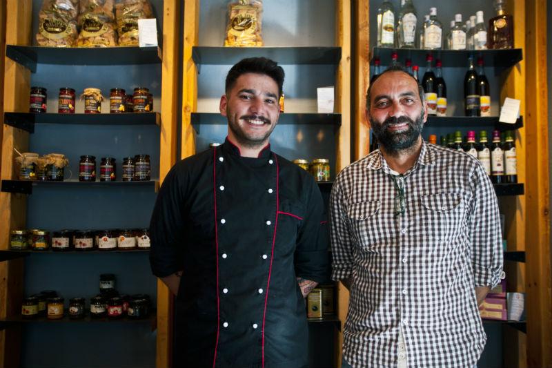 Στον Χρυσομάλλη αναδεικνύεται η Μεσσηνιακή κουζίνα με νέο μάτι - Χρυσοί Σκούφοι
