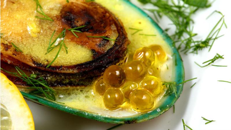 Πέρλες ελαιολάδου, ένα άγγιγμα με στυλ στο πιάτο - Χρυσοί Σκούφοι