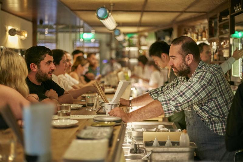 Ακόμη και γιαπωνέζικη food pub έχει η Αθήνα, το «Birdman» του Άρη Βεζενέ.
