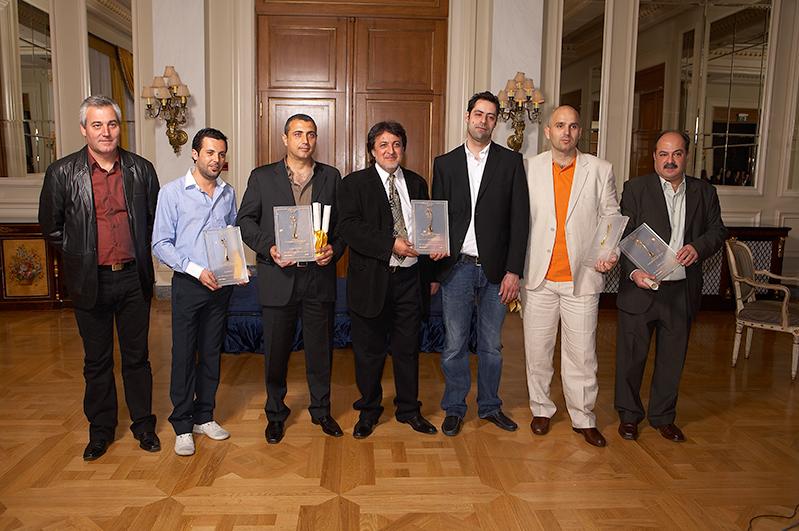 Ο Νίκος Κοντοσώρος από το 2008 βραβευόταν ανειλλιπώς με Βραβείο Ελληνικής Κουζίνας (στη φωτογραφία πρώτος από αριστερά)