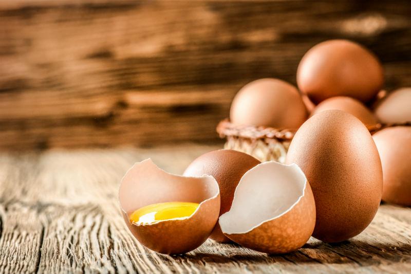 Γιατί το αυγό έχει μετατραπεί σε καυτό αντικείμενο γαστρονομικής μόδας; - Χρυσοί Σκούφοι
