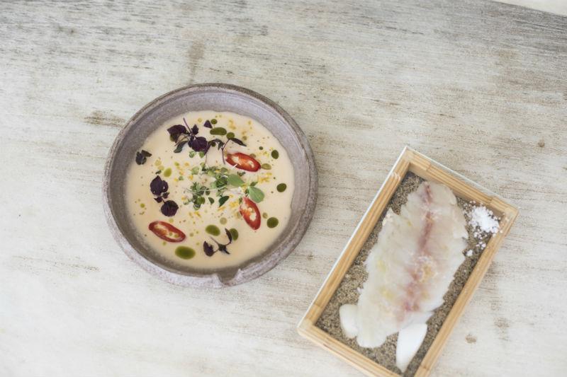 Γευστικά νέα με αέρα Μυκόνου - Χρυσοί Σκούφοι