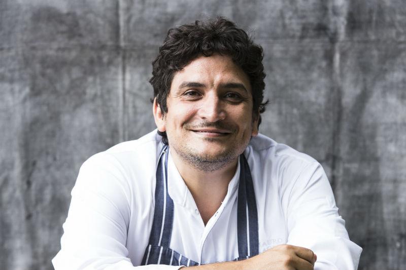 Ο Mauro Colagreco μαγειρεύει στο «Sani Resort» - Χρυσοί Σκούφοι