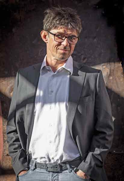 ΟValter Kramer, ο πρώτος διπλωματούχος σομελιέ στη Σλοβενία, είναι παθιασμένος με ταφυσικά κρασιά.