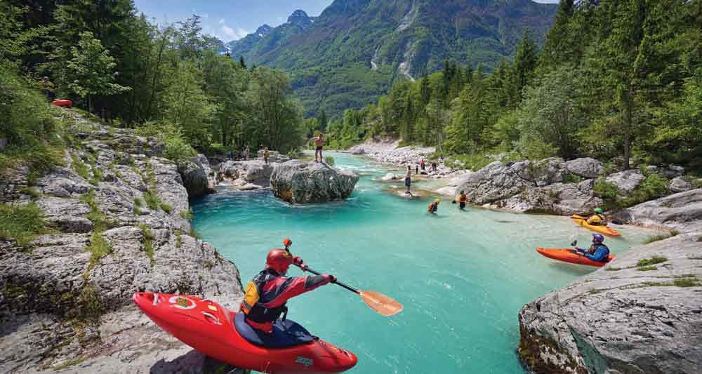 Tο κολύμπι και ταwatersportsείναι ό,τι πρέπει για να χαρείς τα υπέροχα ποτάμια της περιοχής.