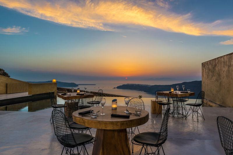 Γοητευτική θέα και μοντέρνα ελληνική κουζίνα στο «Throubi»