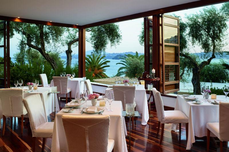 Γαλλικό fine dining στο κοσμοπολίτικο Aristos της Κέρκυρας - Χρυσοί Σκούφοι