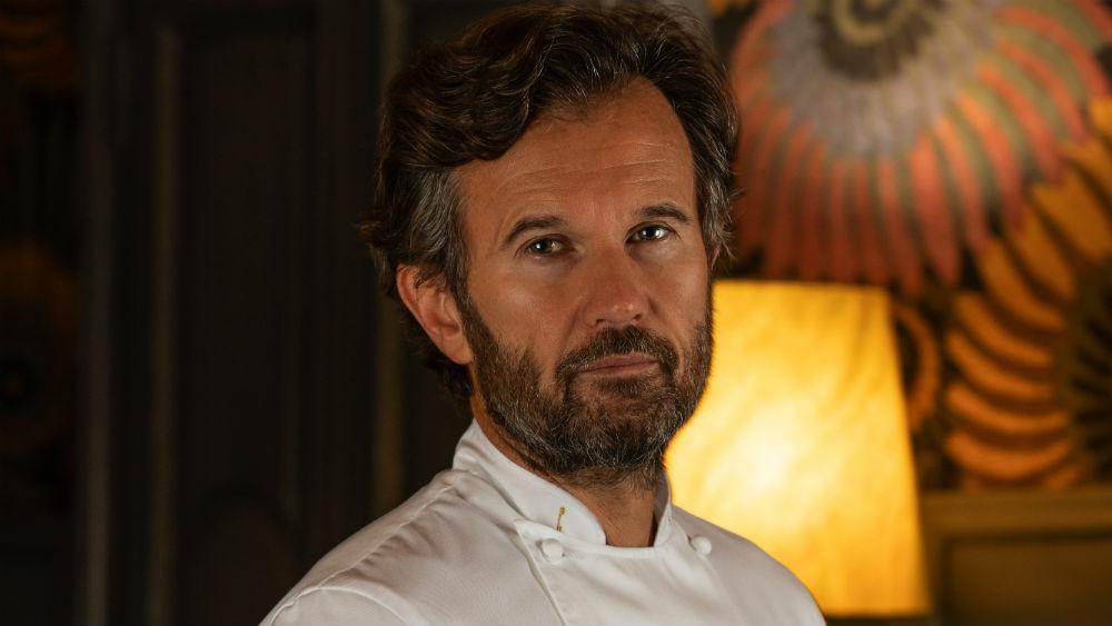 Το dîner de gala της απονομής δημιουργεί ο ροκ Ιταλός σεφ Carlo Cracco