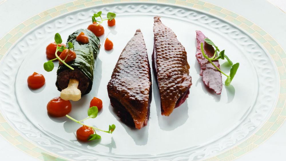 H σοφιστικέ μοντέρνα κουζίνα του Cracco σε ταξιδεύει στο μέλλον