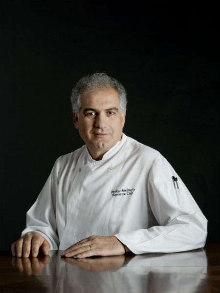 Ο Πανίκος Χατζηττοφής, ο οποίος θα συμπράξει με τον Craco, είναι ο executive chef του ξενοδοχείου «Four Seasons» της Λεμεσού, όπου θα φιλοξενηθεί η απονομή