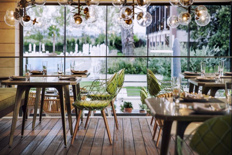 Απολαυστική χειμερινή κρεοφαγία κάτω από τον θόλο του «Dome Real Cuisine» - Χρυσοί Σκούφοι