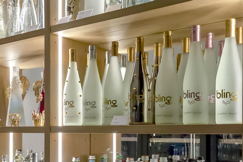 Πίνουμε... νερό στο όνομα του KOMO στο Monaco! - Χρυσοί Σκούφοι