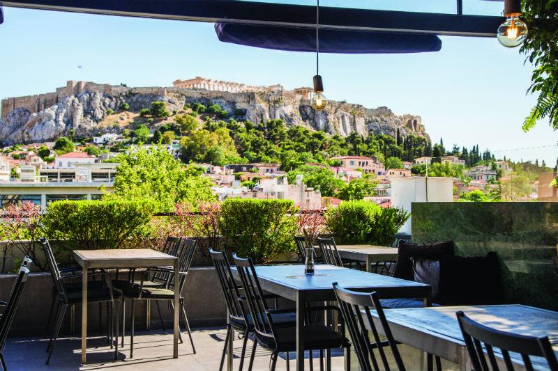 «The Zillers»: Ραντεβού στον πιο δροσερό και γαστρονομικό urban garden της Αθήνας - Χρυσοί Σκούφοι