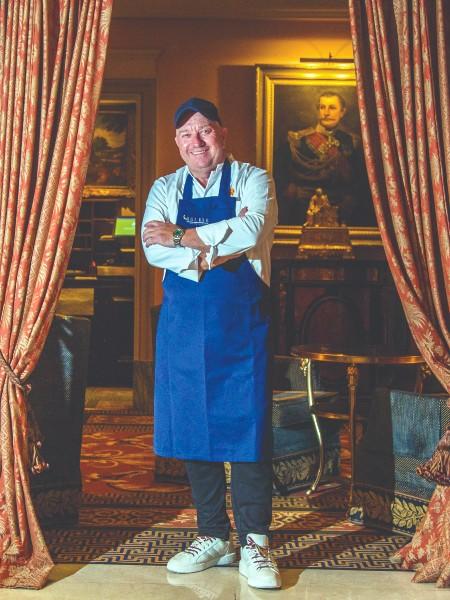 «Οι μάγειρες δεν μπορούν να κάνουν θαύματα αν δεν έχουν καλή πρώτη ύλη», υπογραμμίζει ο Έκτορας Μποτρίνι.