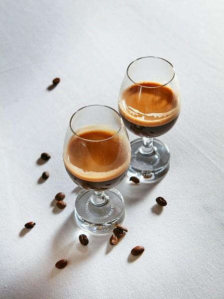 Φινάλε με τον πλούσιο γοητευτικό εσπρέσο Congo Organic της Nespresso Professional.